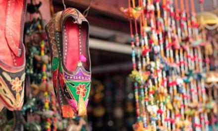 ರಾಧೆ ಹಾಕಿದ ಗಂಡಸರ ಚಪ್ಪಲಿ : ಕುಸುಮಾ ಬರಹ