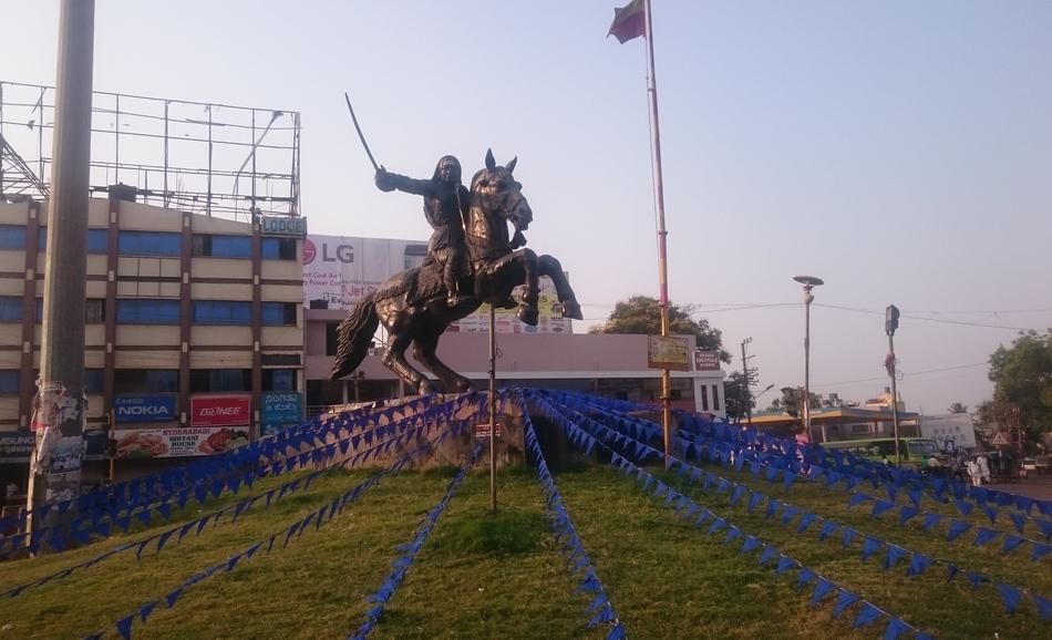 ಹಳೇಹುಬ್ಬಳ್ಳಿ ಹಸಬಂಡ್ಸ್… : ಪ್ರಶಾಂತ ಆಡೂರ್ ಅಂಕಣ