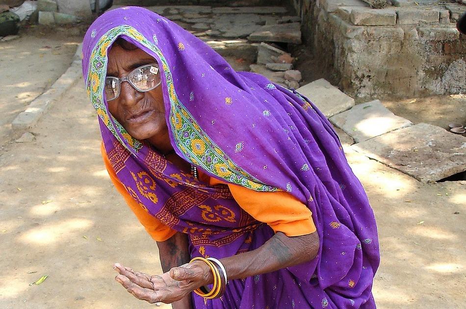 ಗಂಡಾ ಅನ್ನೋ ರಂಡೆಗಂಡಾ…! : ಪ್ರಶಾಂತ ಆಡೂರ್ ಅಂಕಣ