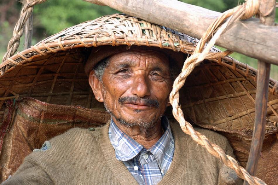 ಹೊತ್ತು ಮಾರುವವರು:ಒಂದು ಪ್ರಬಂಧ