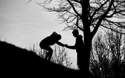 ಗೌಜಿ ಗದ್ದಲಗಳ ನಡುವೆ ವಿವೇಕವೆಂಬ ಶ್ರುತಿ ಹಿಡಿದು…
